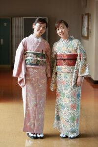kimonos pastels
