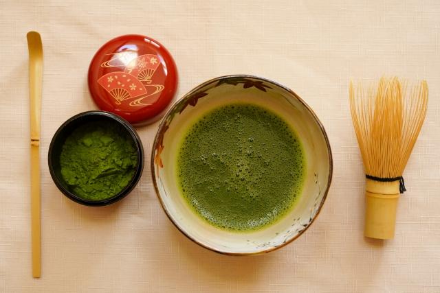 accessoires pour thé japonais matcha